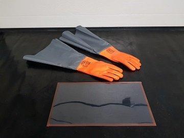 Rękawice i folie do piaskarek i śrutownic kabinowych